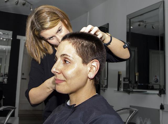 práce kadeřnice