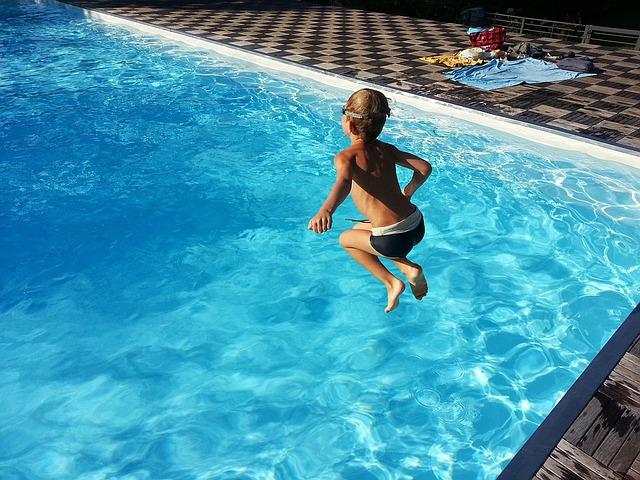 Folie a plachty na každý bazén